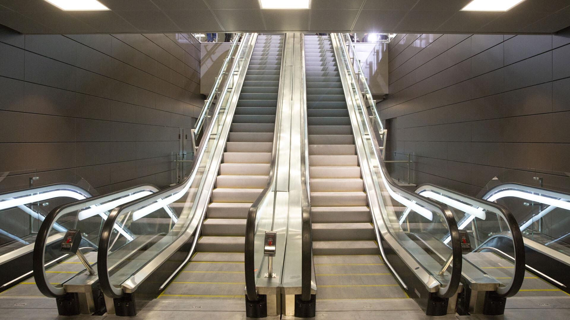 κυλιόμενες σκάλες μετρό 2