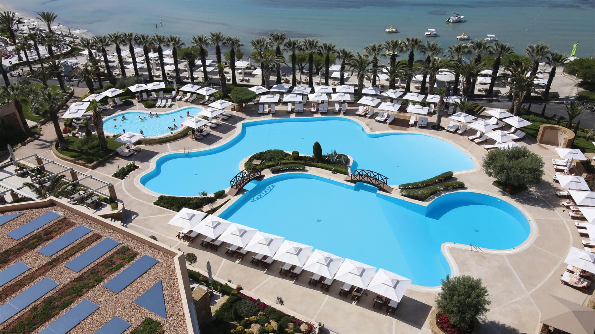 """Κατασκευή του Ξενοδοχείου """"Sani Resort"""" Χαλκιδικής με τη βοήθεια της ISOMAT"""