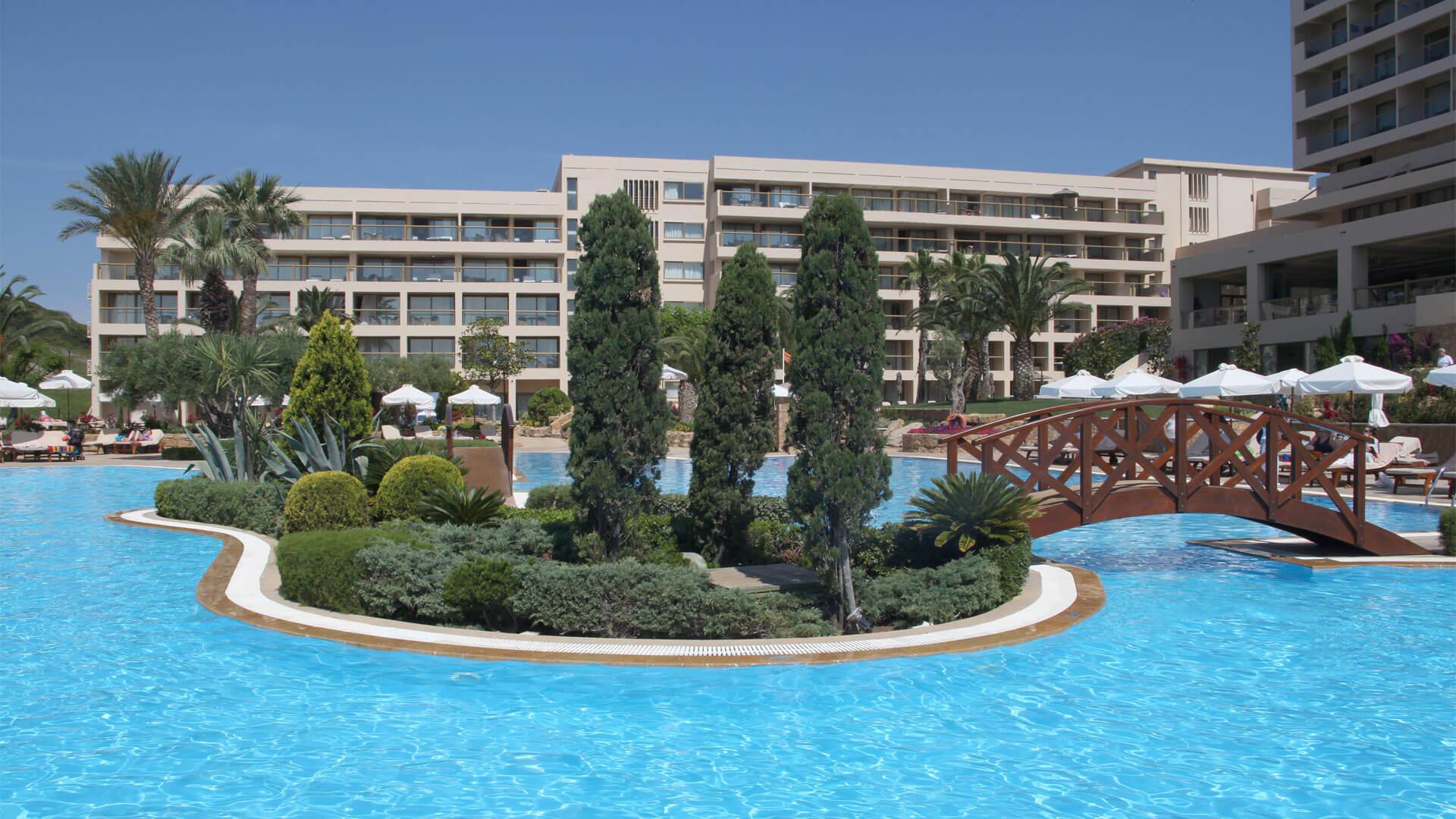 """Κατασκευή του Ξενοδοχείου """"Sani Resort"""" Χαλκιδικής από υλικά ISOMAT"""